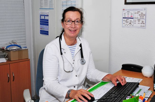 Frau Dr. Claudia Ohl-Bertram